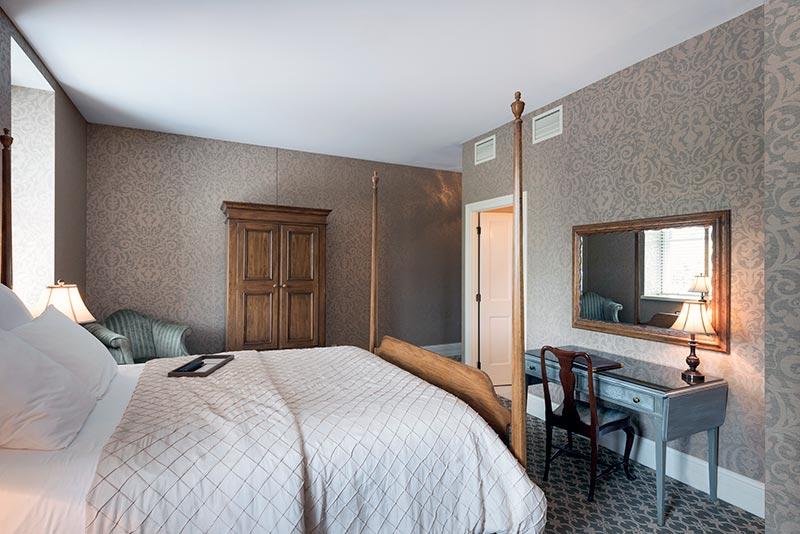 Room-210_003