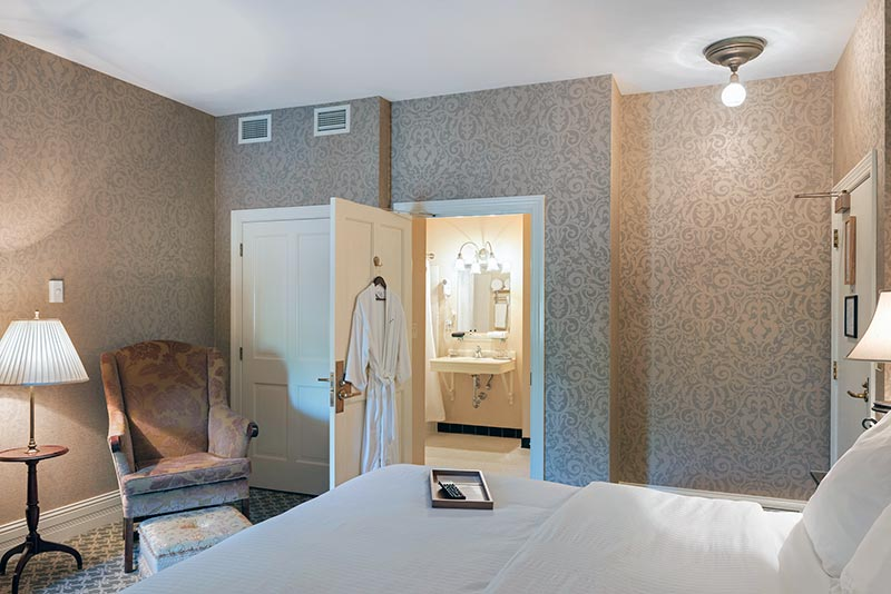 Room-212_003