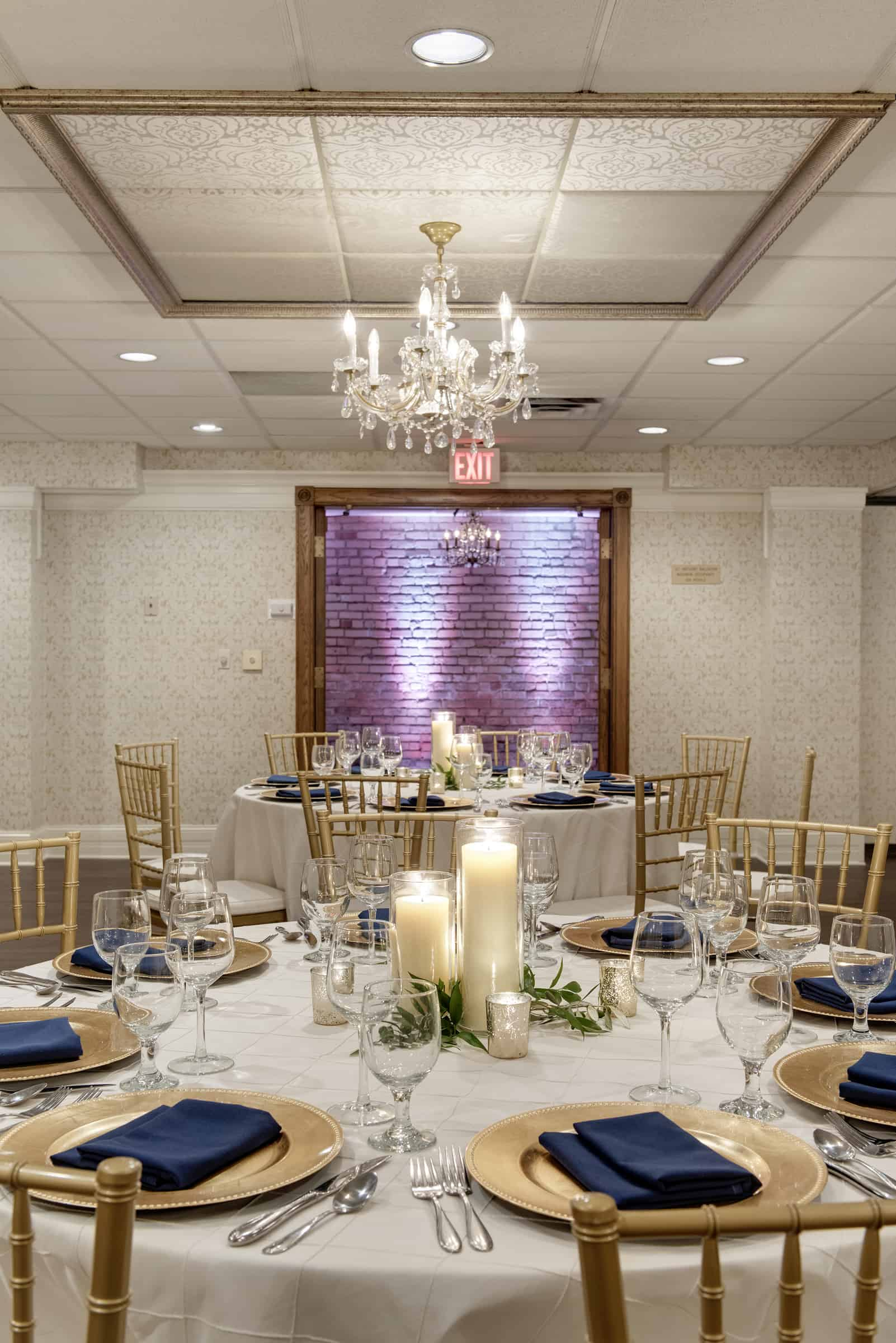 Photos nicollet island inn for Best private dining rooms minneapolis